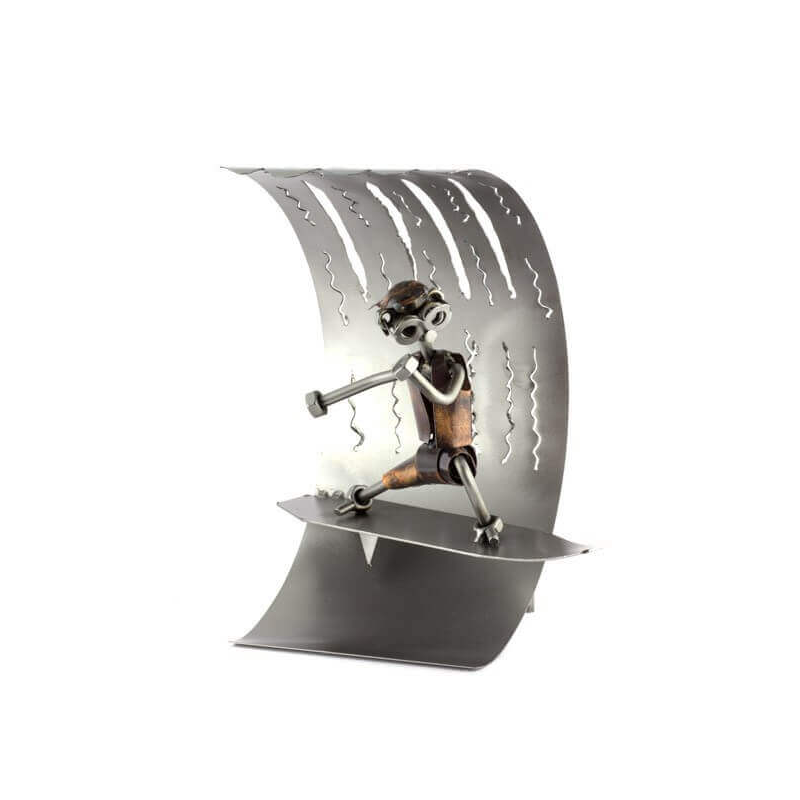 FIGURINE EN METAL - LE SURFEUR